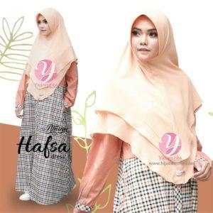 Hafsa-Tangerine2-Yasmeera-dress-hijab amina